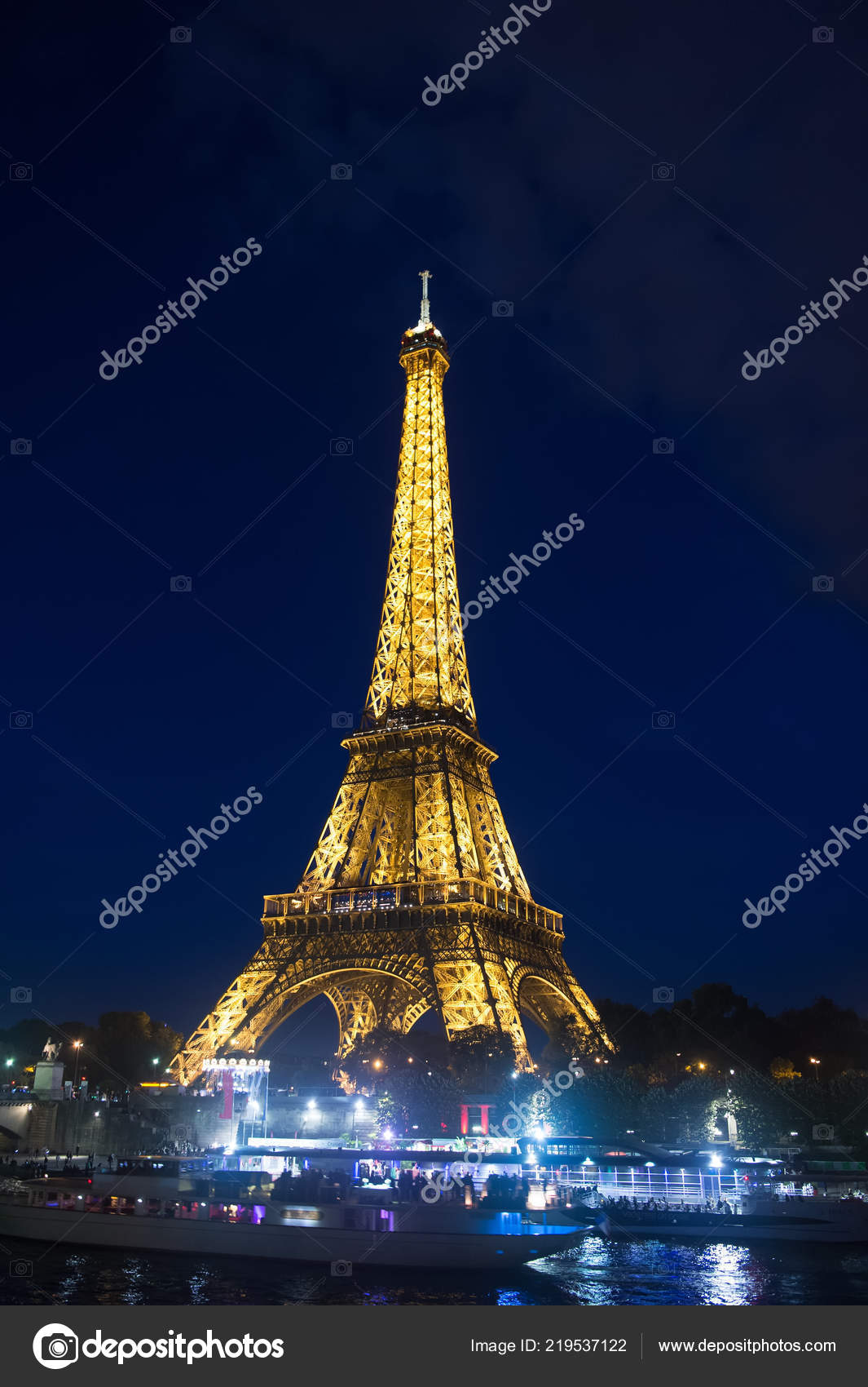 paris france september 23 2017 icon of paris eiffel tower on