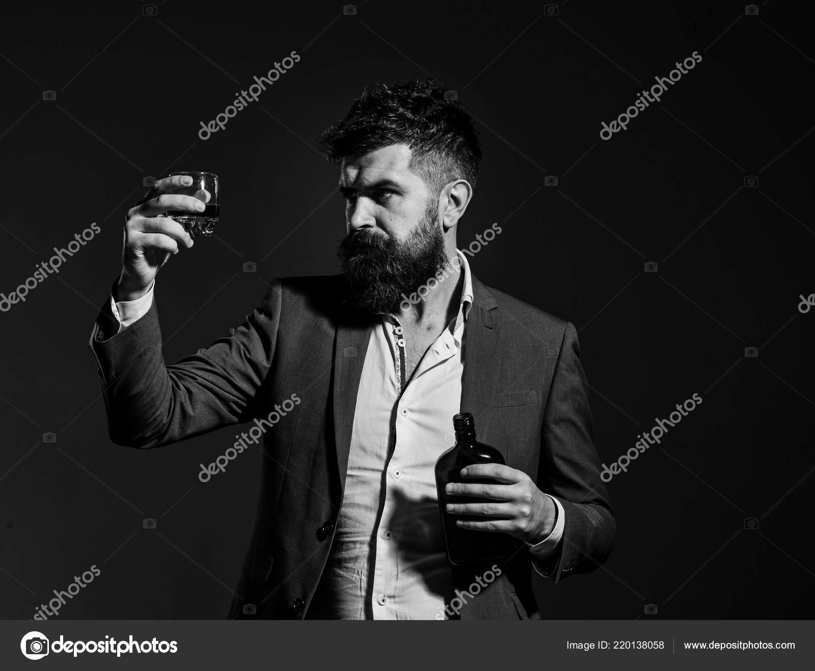datování alkoholické ženy dělá kosti a budky někdy připojit