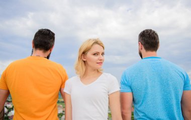 Girl stand in front two faceless men. Best traits of great boyfriend. Everything you need to know about choosing right guy. How to pick better boyfriend. Girl thinking whom she going ask dating