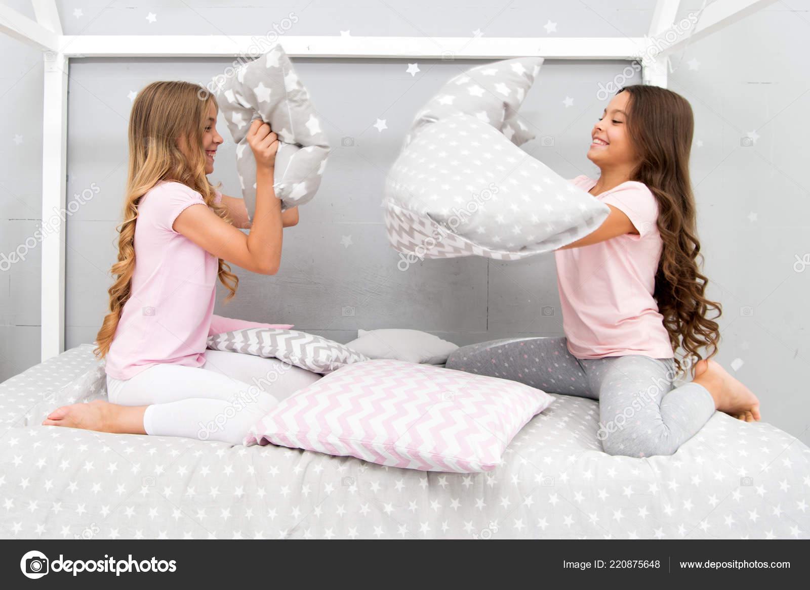 Фото на подушки для девушек