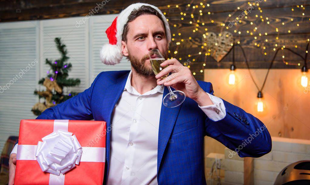 Поздравления мужчине бизнесмену с новым годом