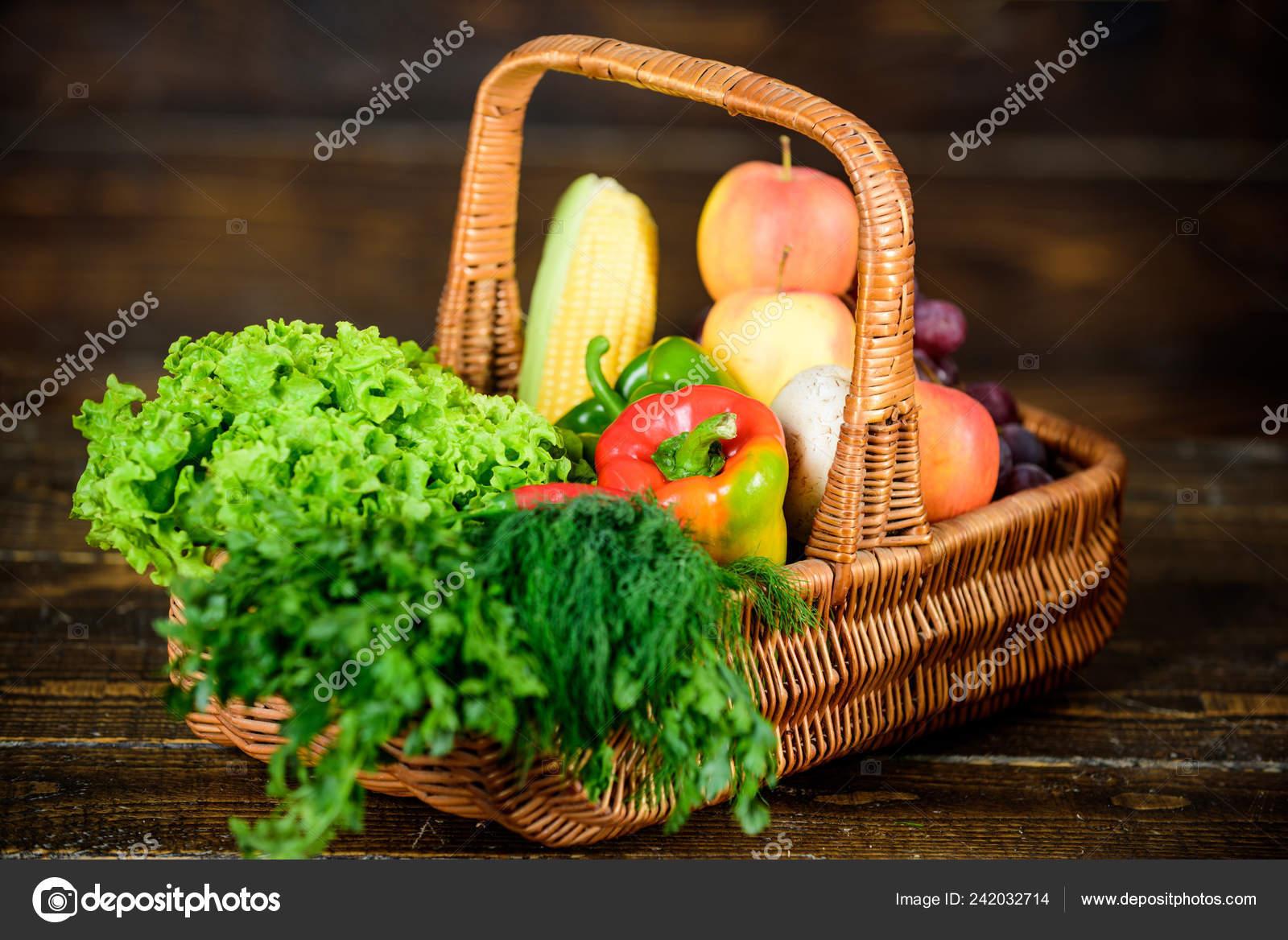 отличное качество овощей коробки или корзина урожай овощей