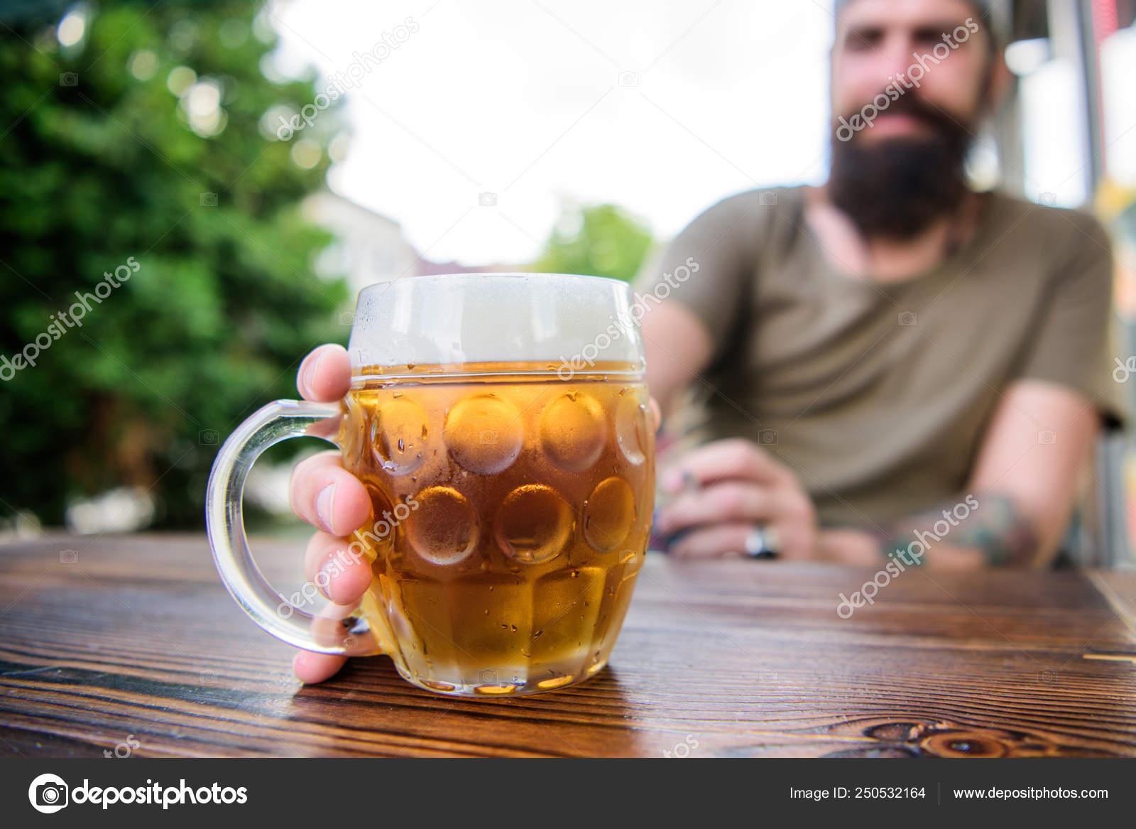 Cerveza Artesanal Es Joven Urbana Y Moda Cultura De