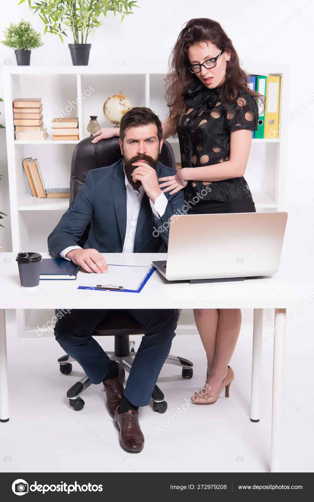 hot office sekretar