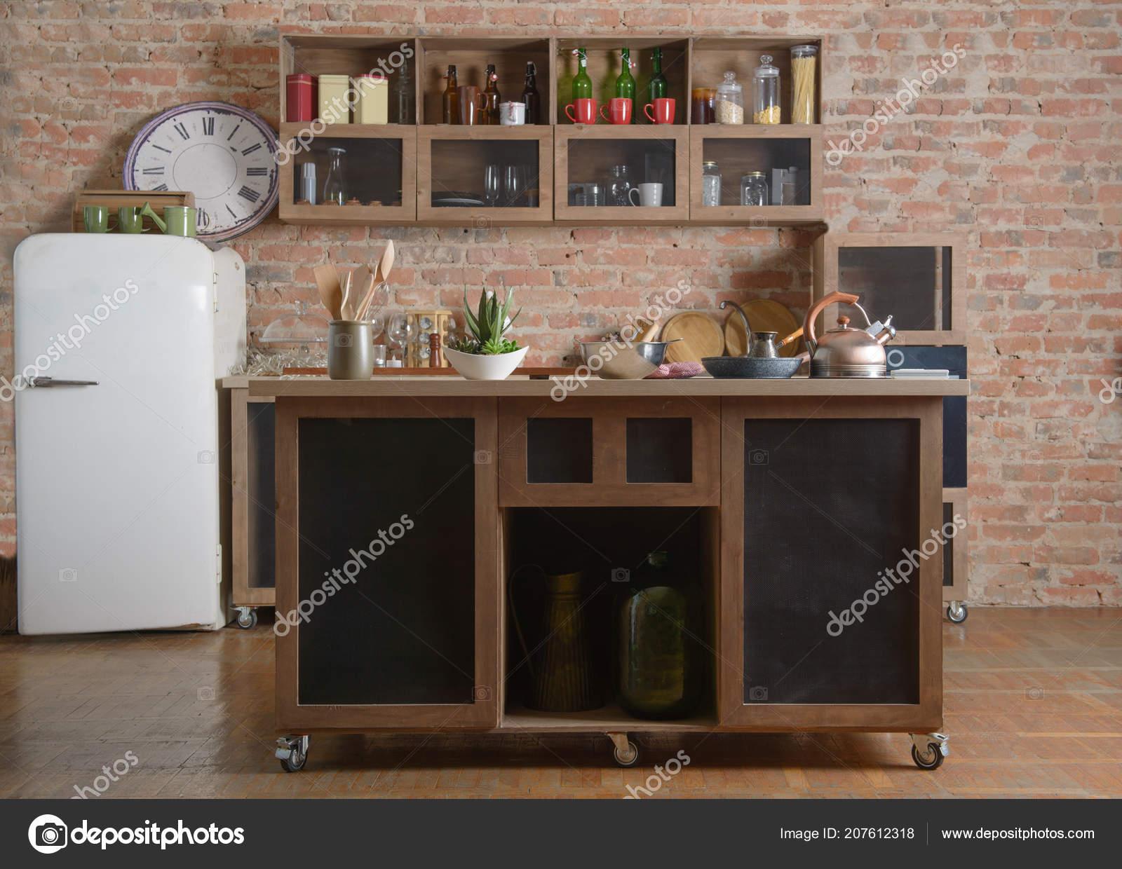 Muebles Cocina Sobre Fondo Ladrillo — Foto de stock © olegkrugllyak ...