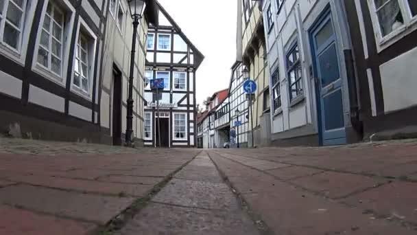 Wandern in Hameln, schöne Aufnahme des traditionellen deutschen Dorfes