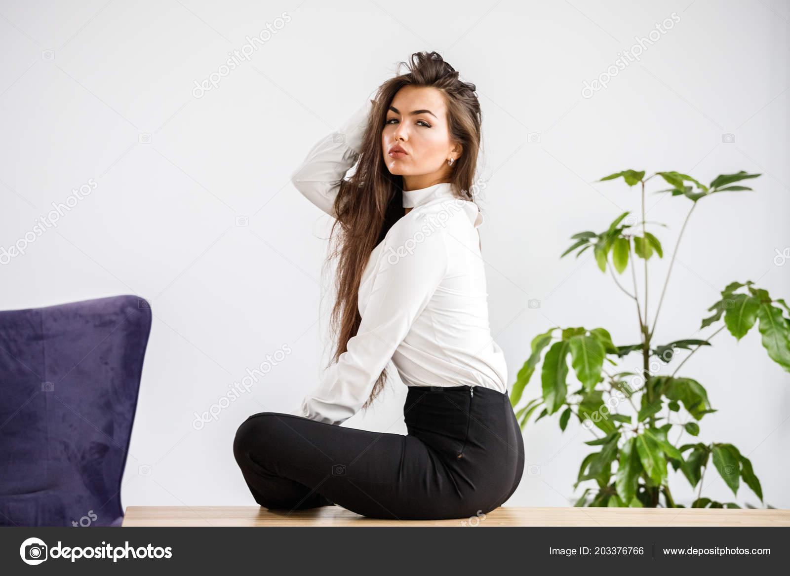 zdarma mladé černé ženy porno