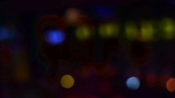 Blur night club utca emberek sziluettje tánc 4k