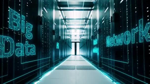 Netzwerk- und Datenserver hinter Glaspaneelen im Serverraum eines Rechenzentrums