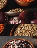 Collage aus verschiedenen ungekochten Bio- und Bohnen-Grütze
