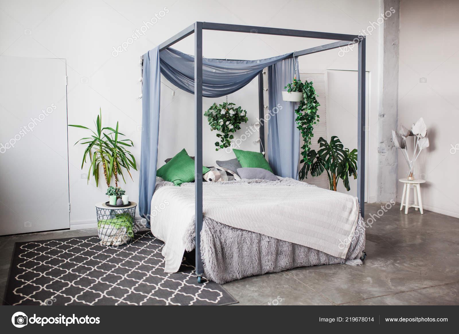 Chambre Coucher Blanche Avec Des Éléments Décoration Simple Dans Plage U2014  Photo