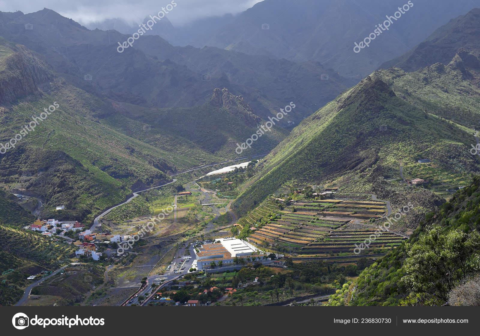 España Islas Canarias Gomera Paisaje Con Montañas Terrazas