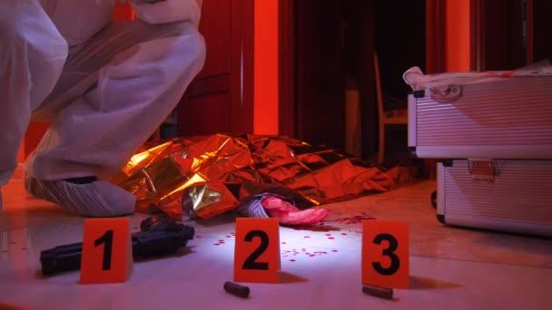 Tudományos rendőrség bizonyítékokat a tetthelyre, fogalmi kép