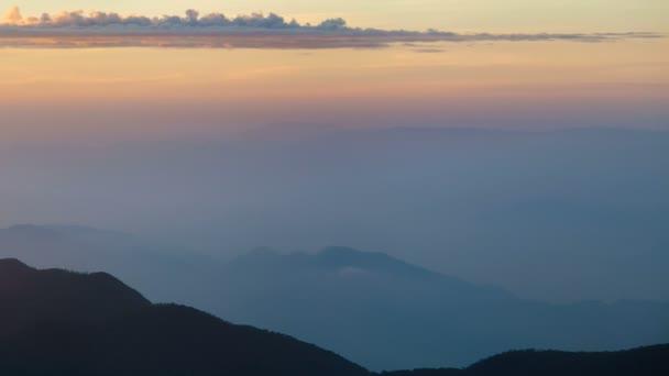 Berglandschaft bei surise sri lanka