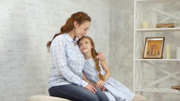 Nabídka zahrnuje objetí dívka dítě
