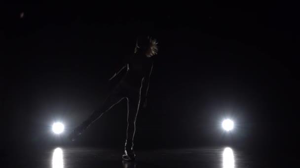 Lány a sport öltönyt tánc Kangoo ugrik cipő.