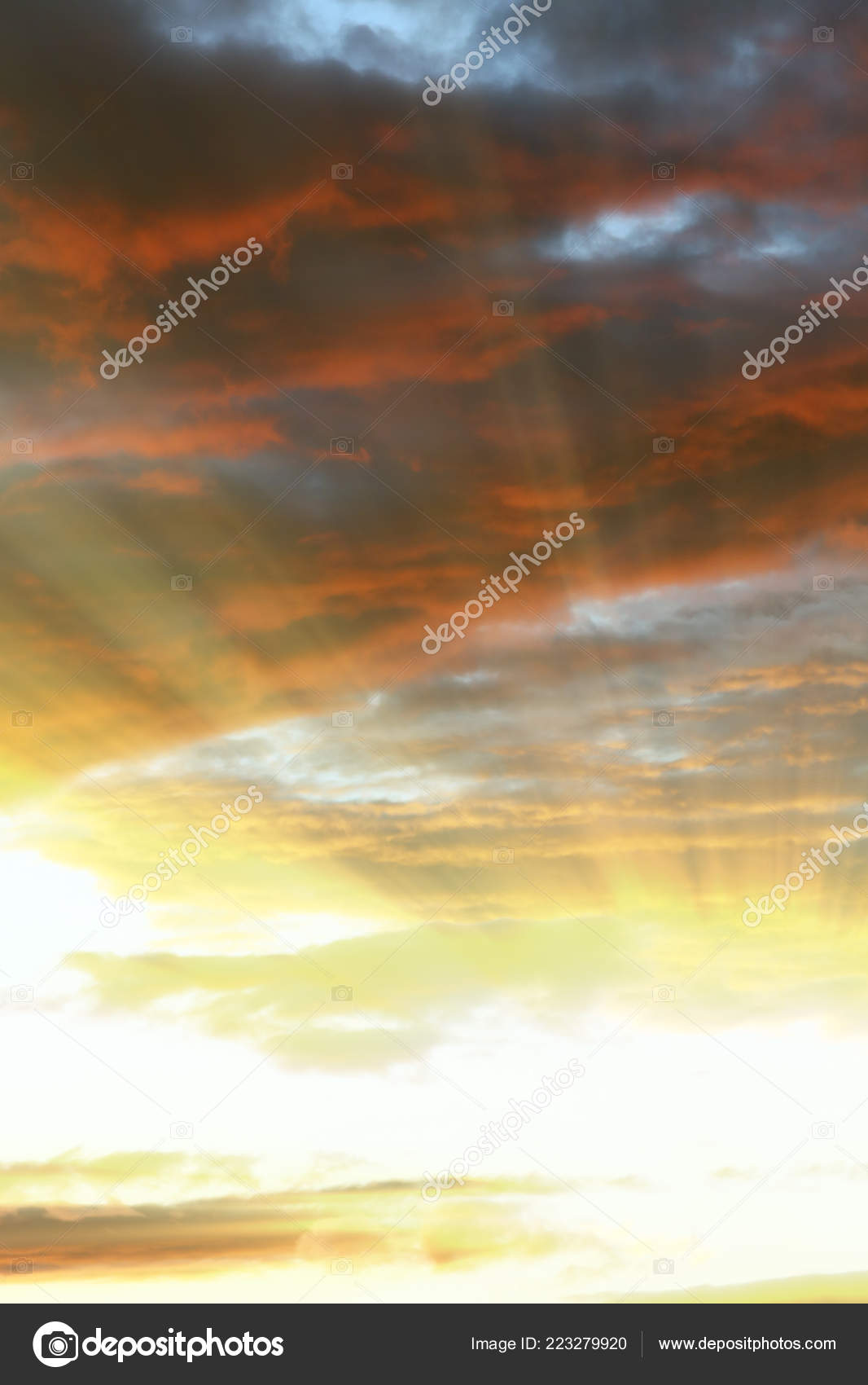 0c2fde340bb85 Bright Rays Sun Shine Saturated Clouds — Stock Photo © salman2 ...