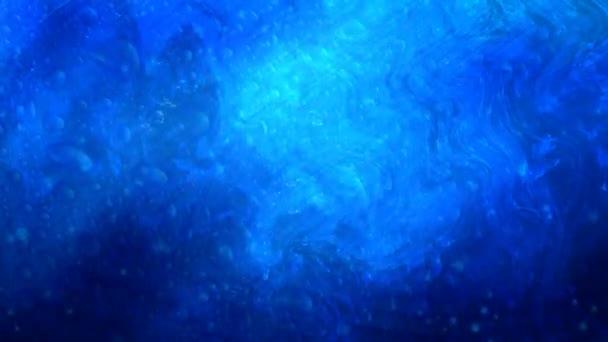 Modrá voda bubliny a vlny s padajícími částicemi - 4k bezešvé smyčka pohybu pozadí animace