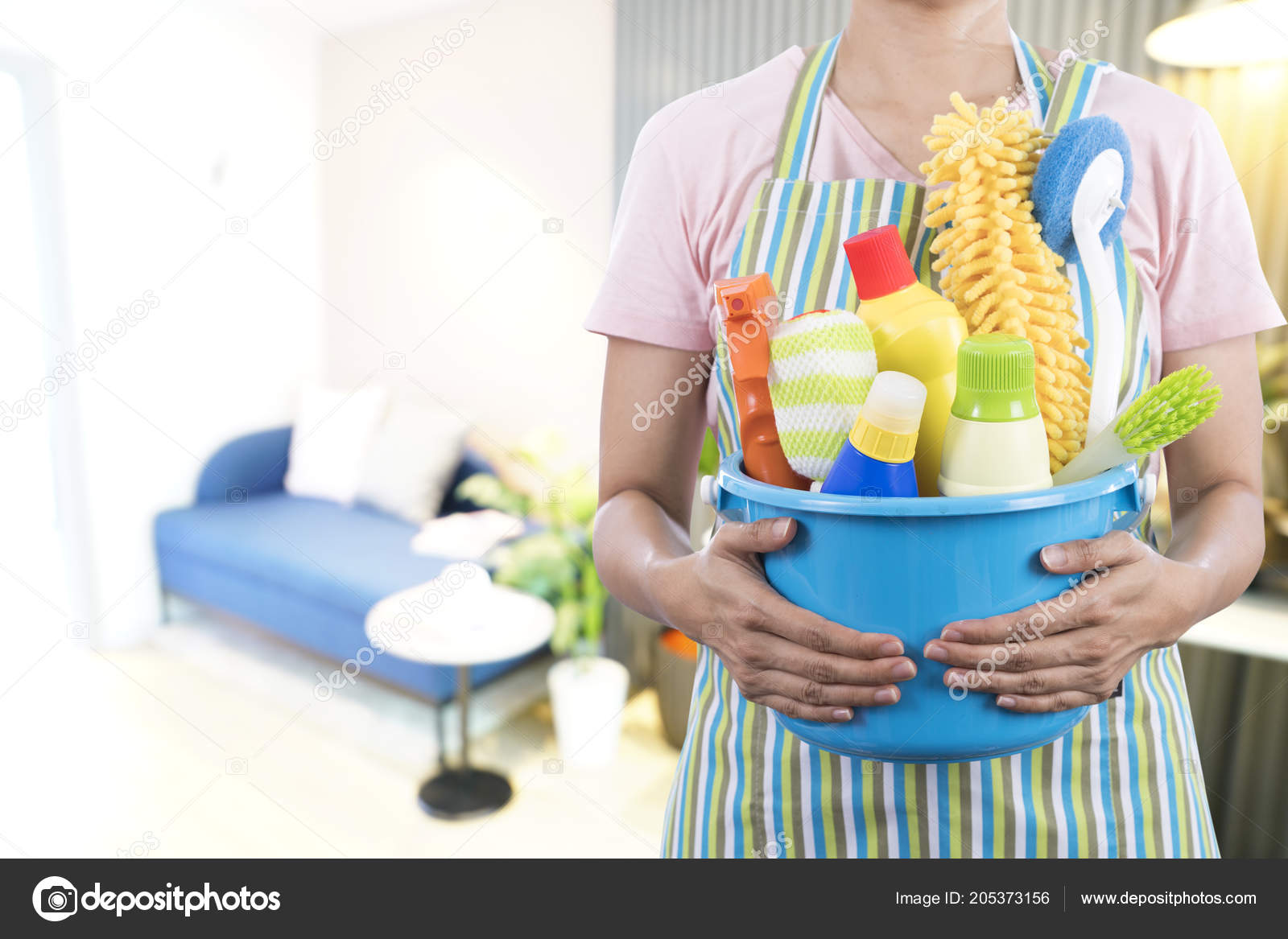 Woman Cleaning Equipment Ready Clean House Living Room U2014 Stock Photo
