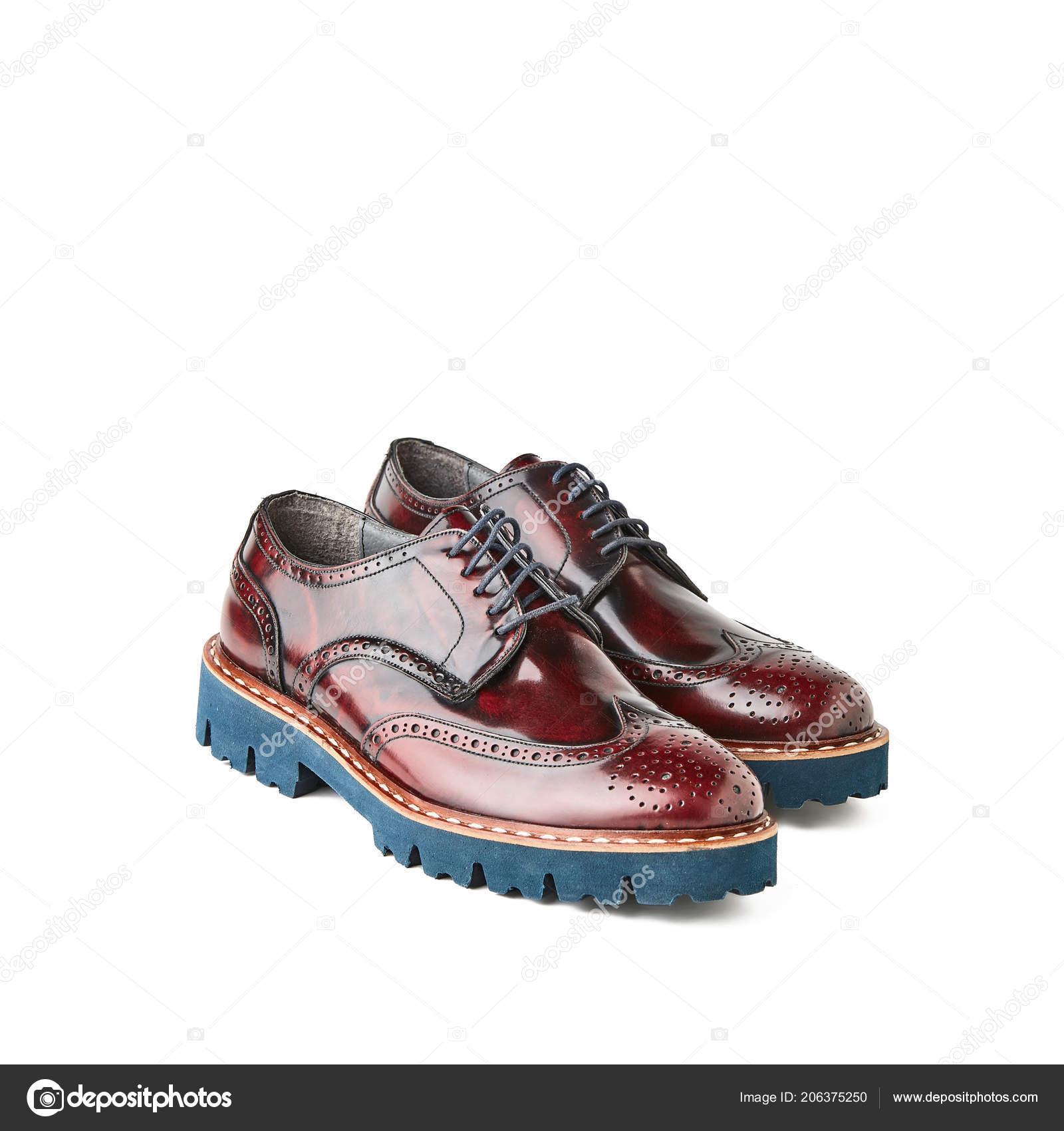 4a2e8eea66 Zapatos Brogue Marrón Cerezo Hombres Con Suela Azul Estudio Tiro ...