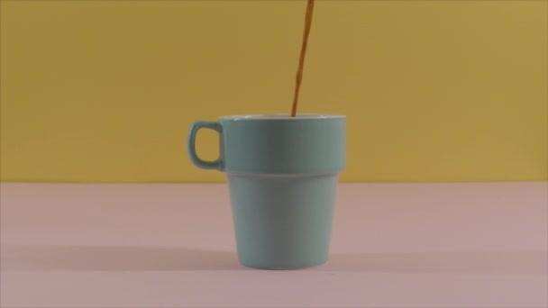 Nézd szakadó kávé csésze