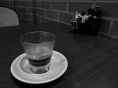 Koncentrált frissen főzött forró olasz Espresso fekete kávé