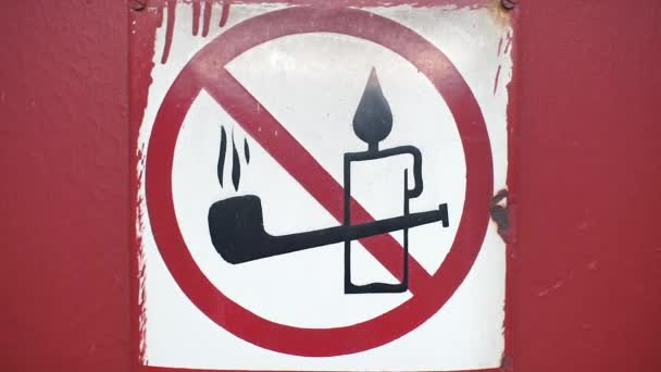 Rauchverbot oder brennendes Feuerzeichen
