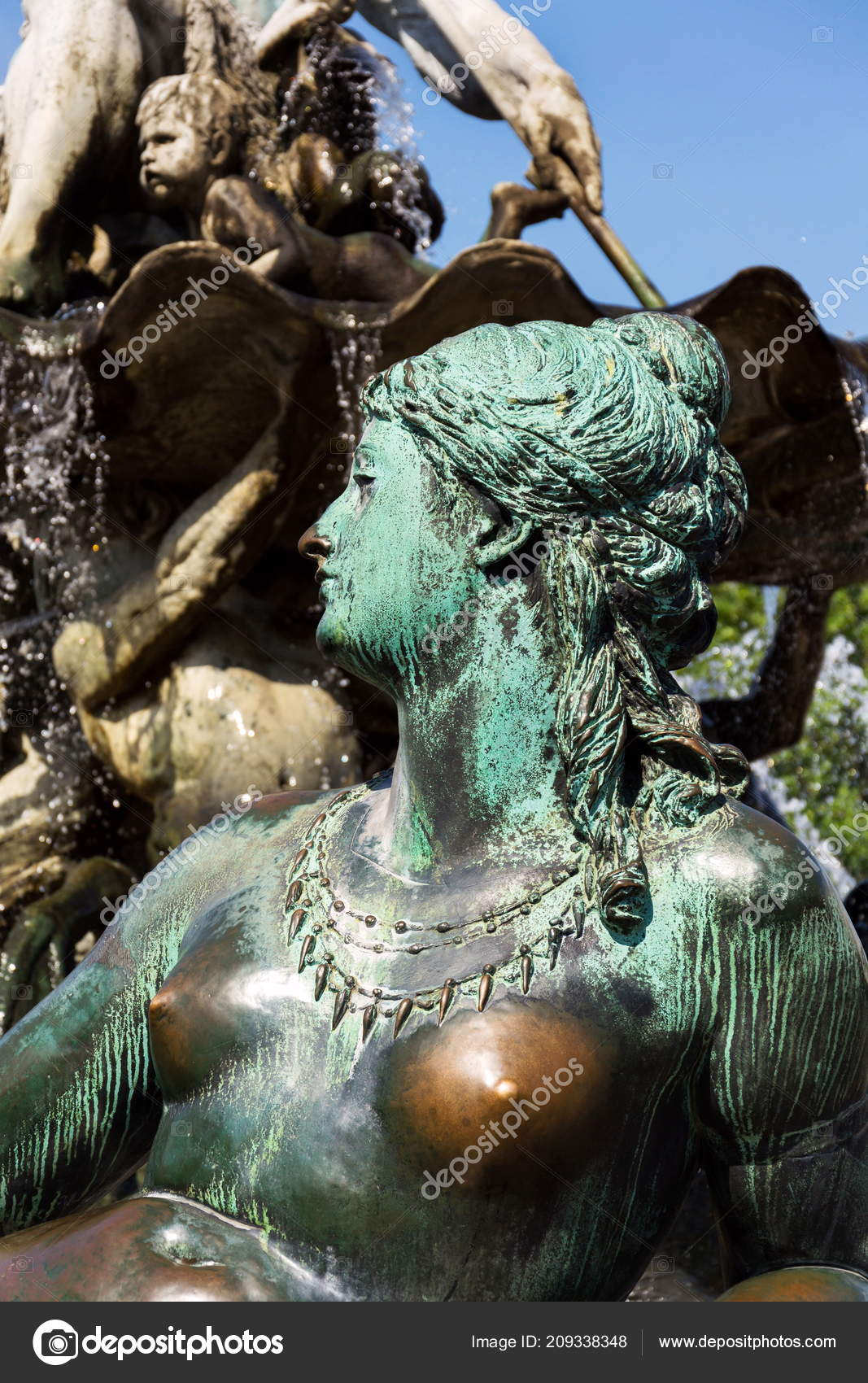 Fontaine Neptune 1891 Par Reinhold Begas Avec Dieu Grec Poseidon