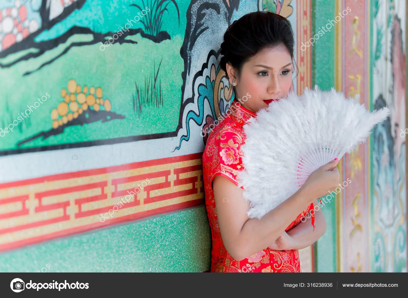 Поздравление китаянки с переводчиком