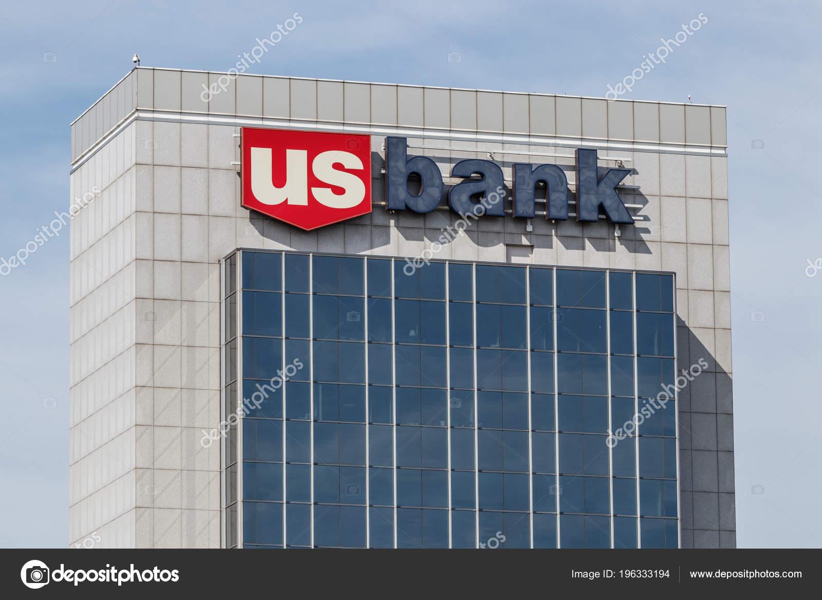 Chicago Circa May 2018 Bank Loan Branch Bank Ranked 5Th