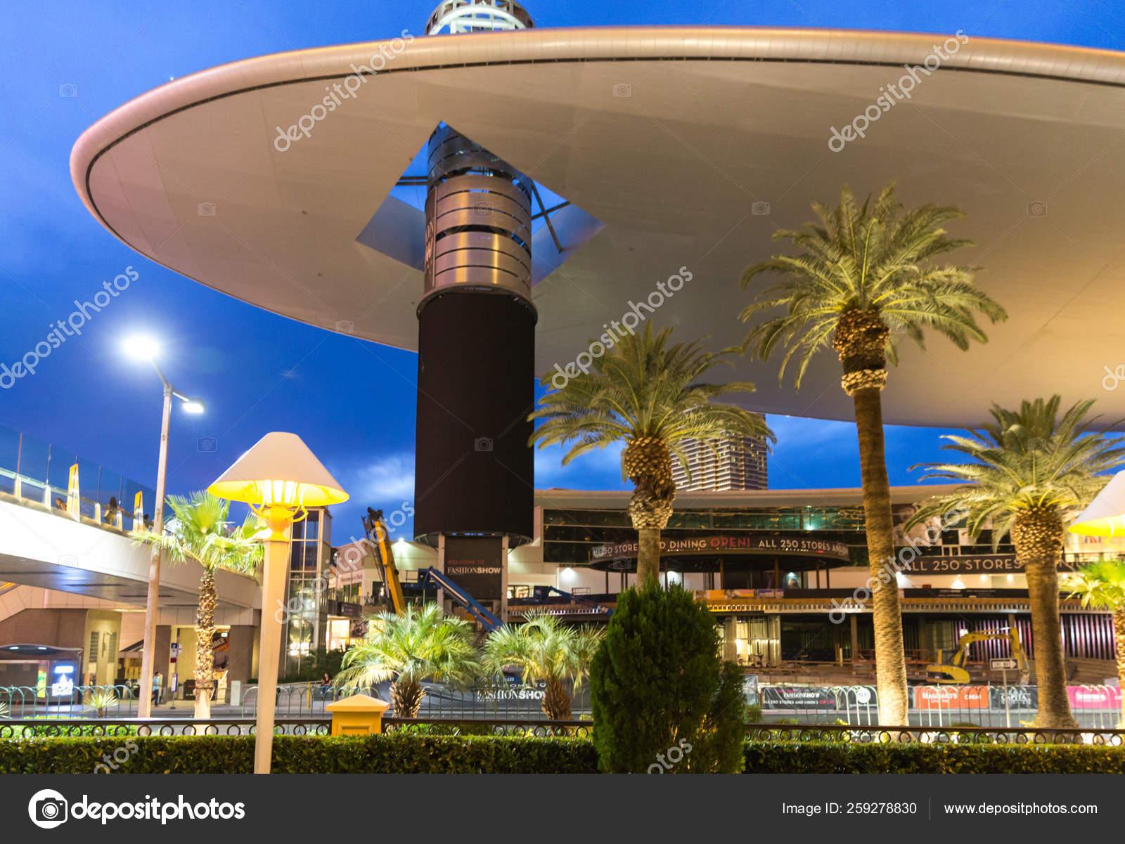 LAS VEGAS , MAY 29, 2015 Fashion Show Mall in Las Vegas at