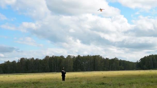 Starší muž Létající drak venkovní