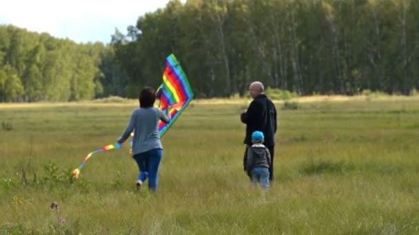 Rodina s rainbow draka venkovní