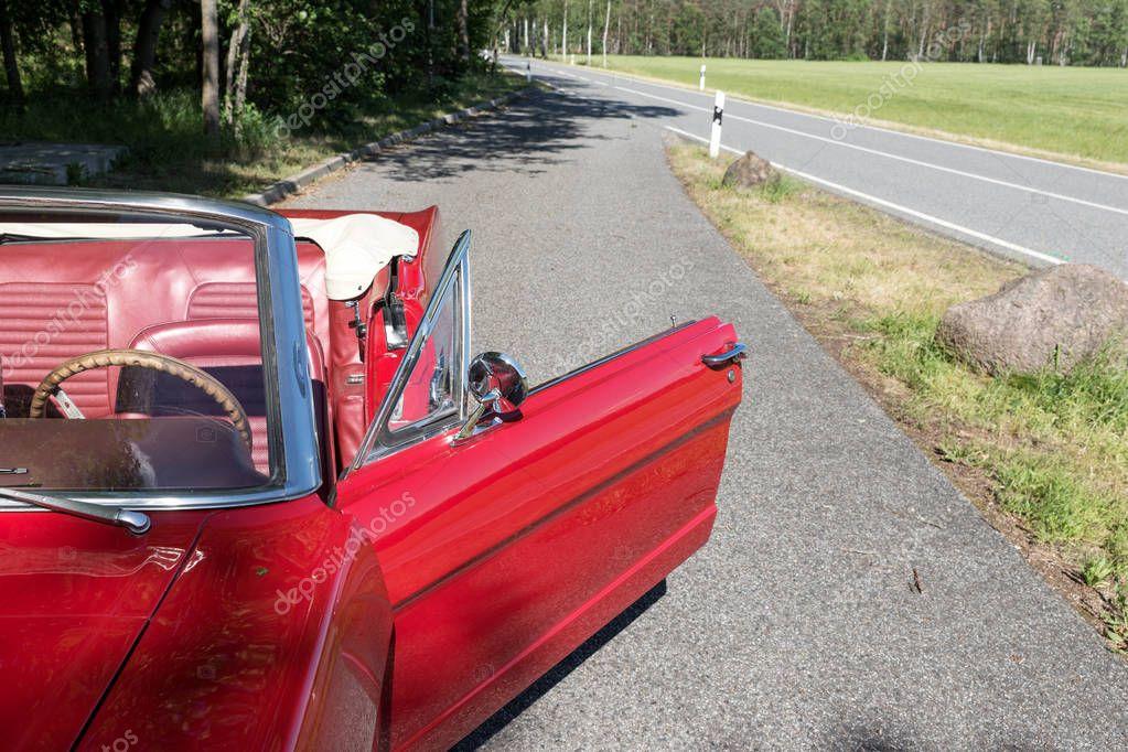 полученный результате фото разбитое красное кабрио что можете сделать
