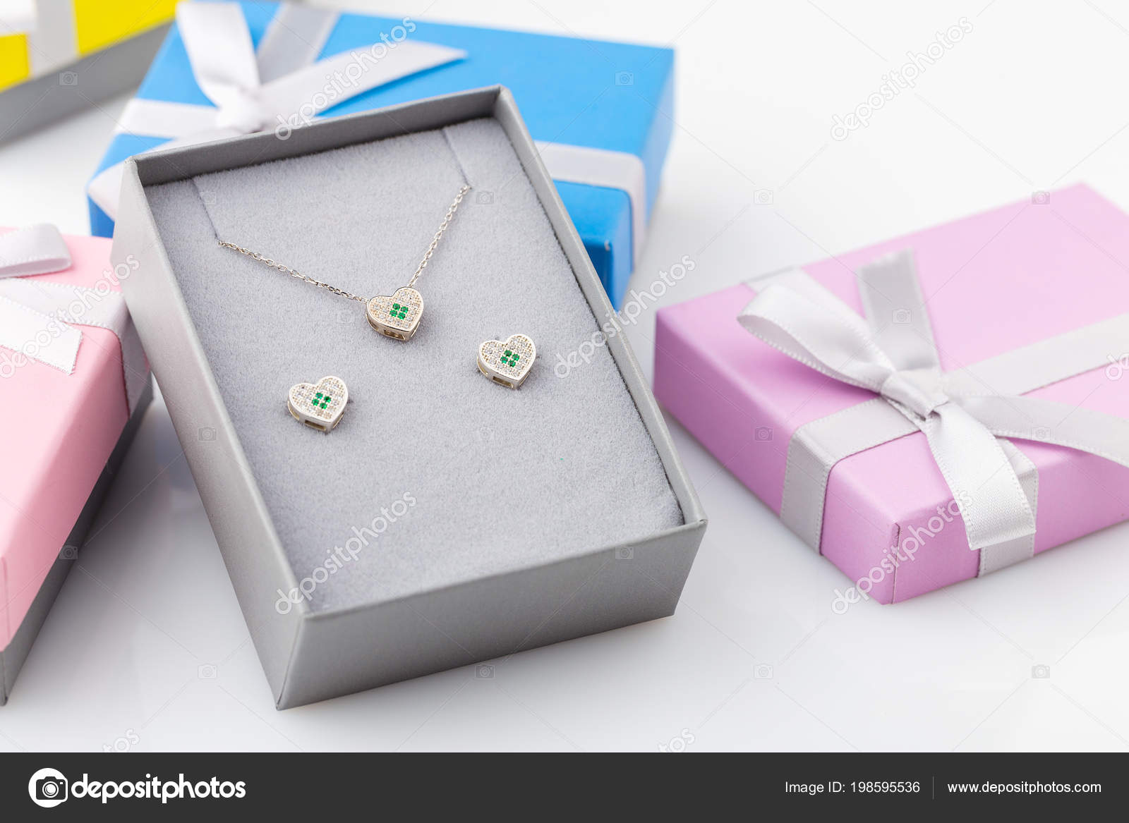 Jewelry Set Heart Necklace Stud Earrings White Green Crystals Gift