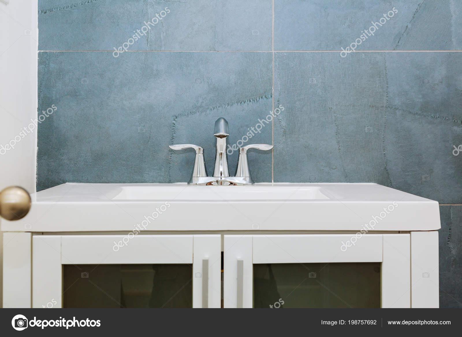 Intérieur Salle Bains Moderne Granit Avec Lavabo Minimaliste Lavabo