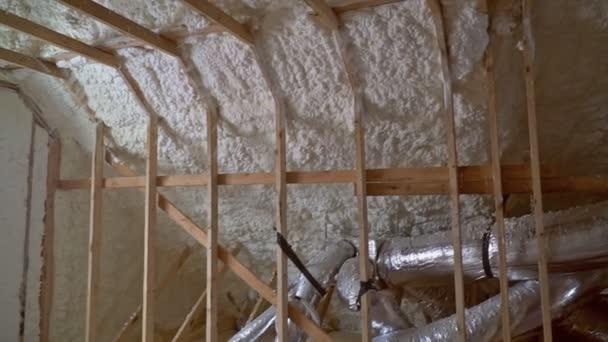 potrubí, ventily zavřít instalaci systému na střeše domu topný systém vytápění