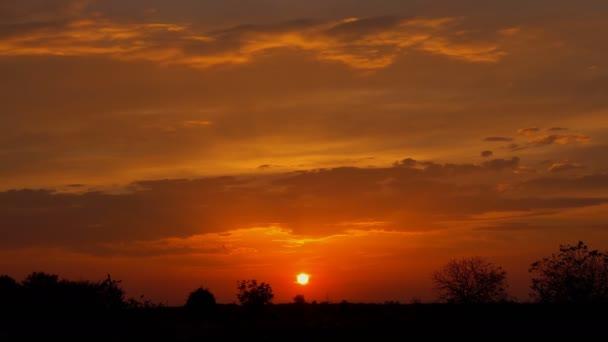 Slunce venkovské farmy louka horizon view