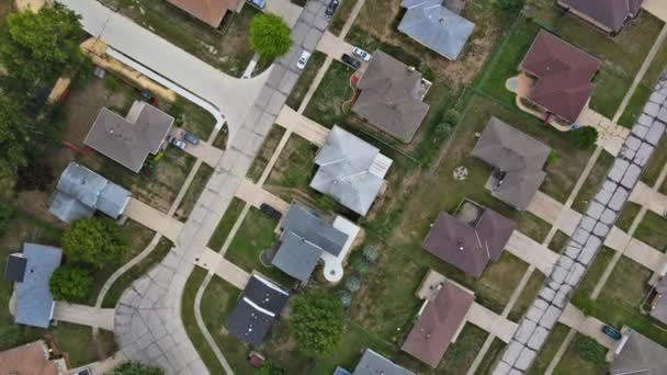 Ein neues Haus im Wohnbau in einer Luftaufnahme einer Kleinstadt auf dem Land in Cleveland Ohio US