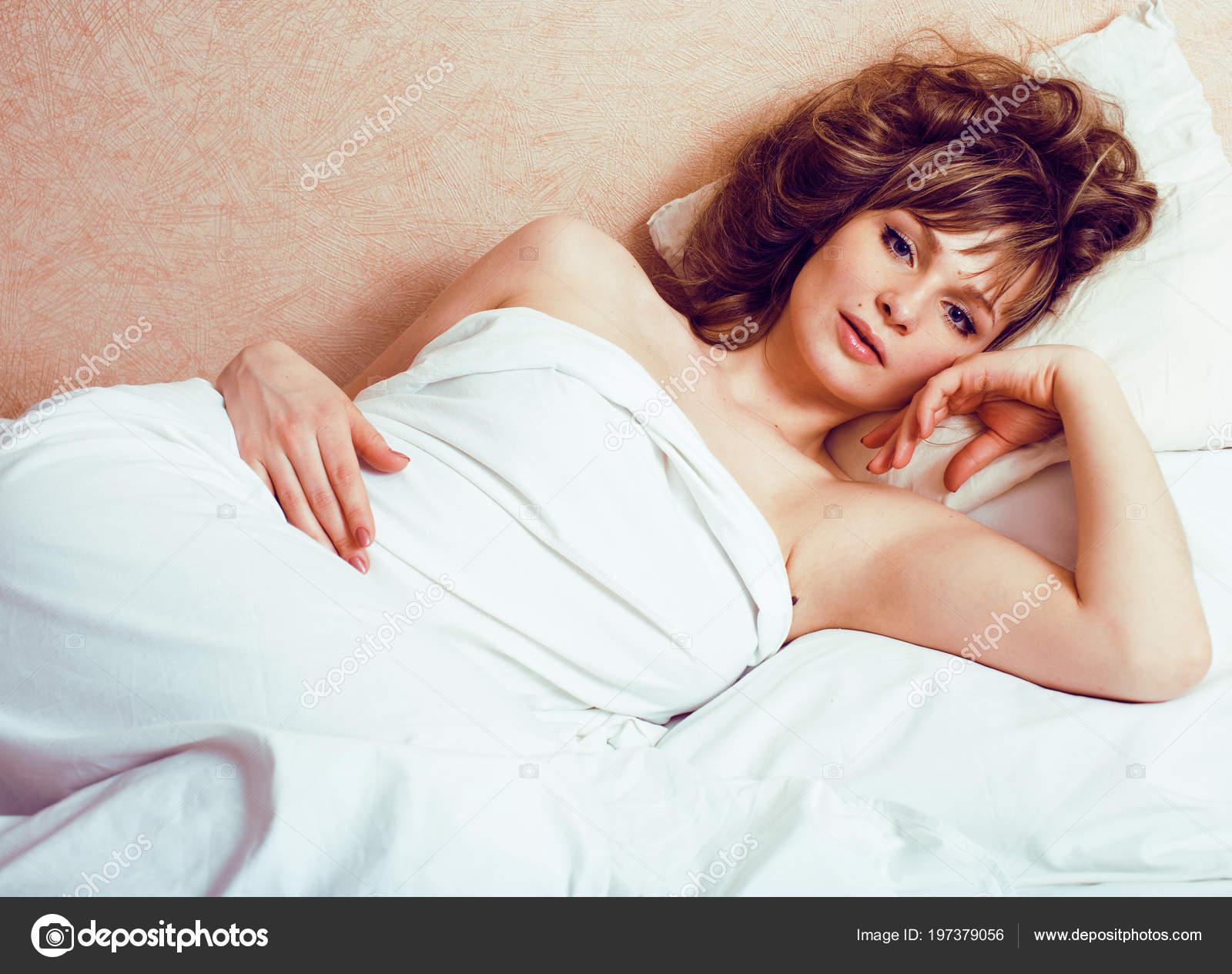 Сексуальный образ в постели