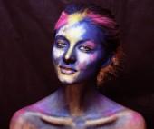 Krása ženy s kreativní make-up jako svaté oslava v Indi
