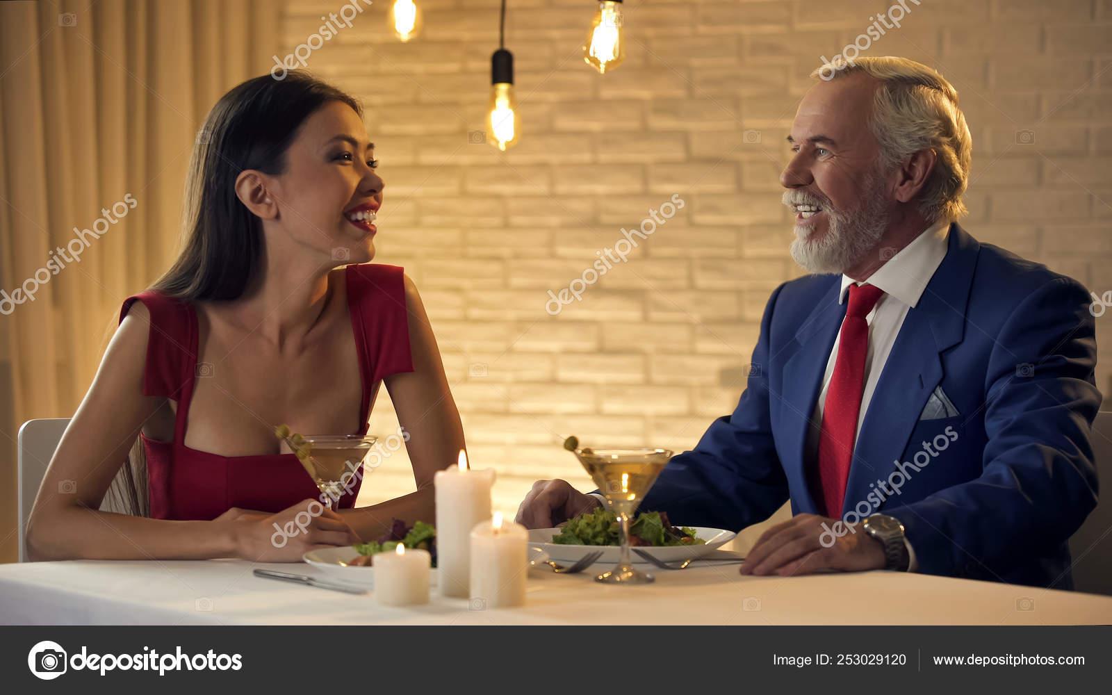 Senior Man Intalnire Aude