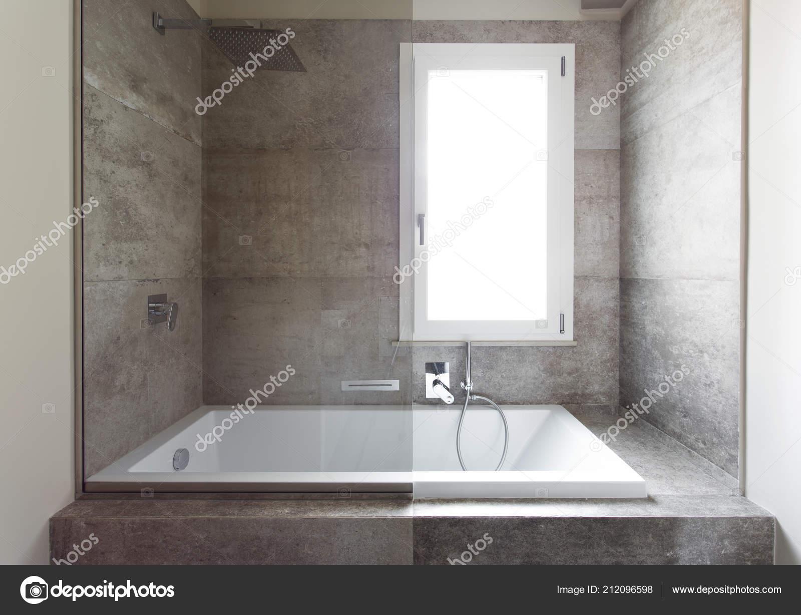 Moderno bagno con doppio lavabo bagno sanitari sospesi u2014 foto stock