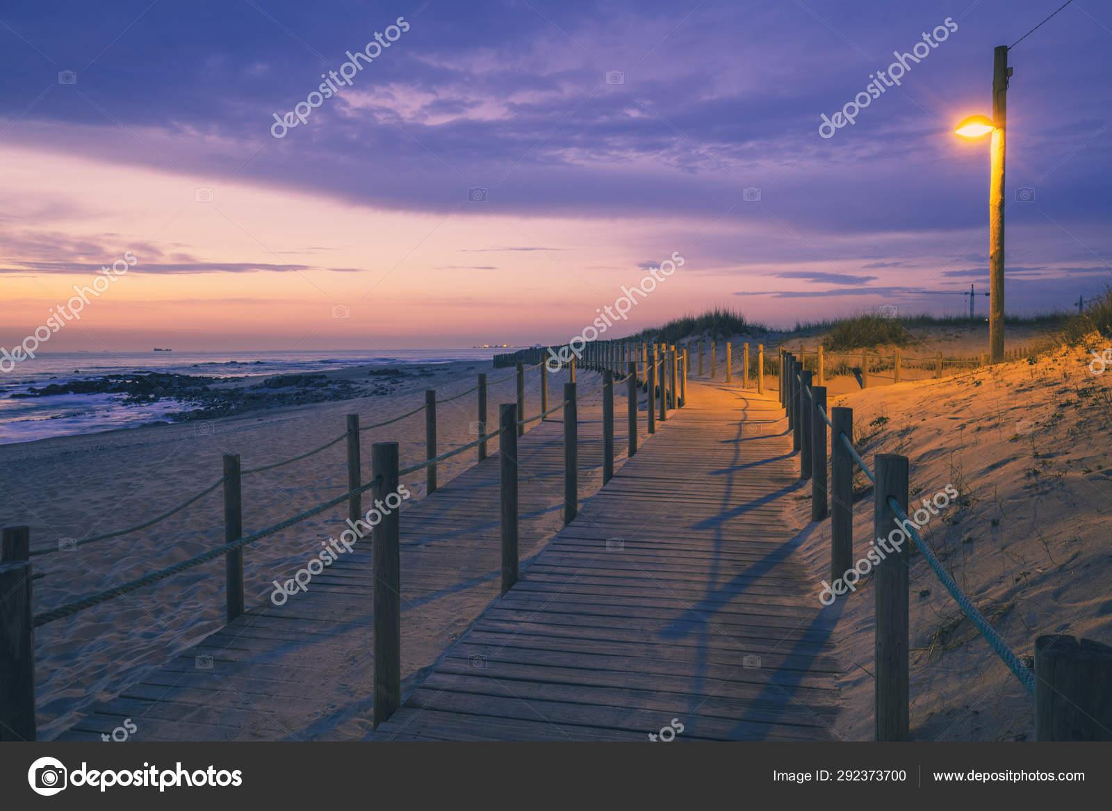 Terraza Madera Costa Arena Después Puesta Sol Hermosa Playa