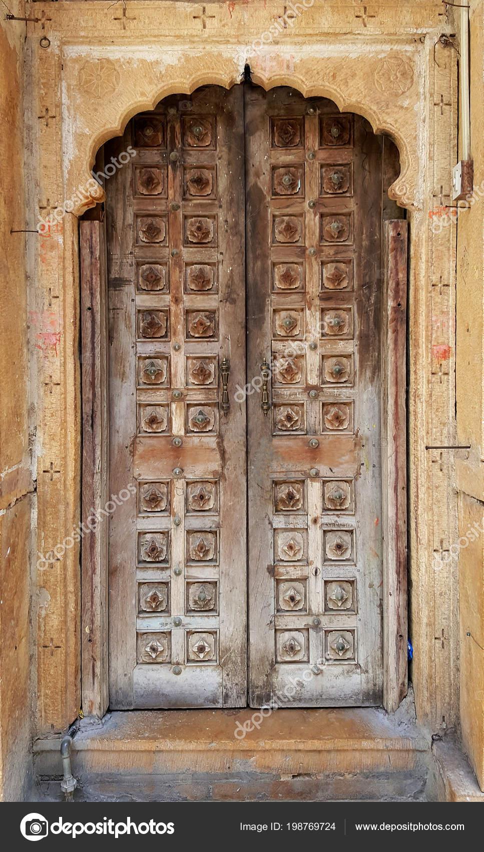 Im genes puertas rusticas de madera antigua puerta madera antigua rustica elemento Puertas de madera antiguas