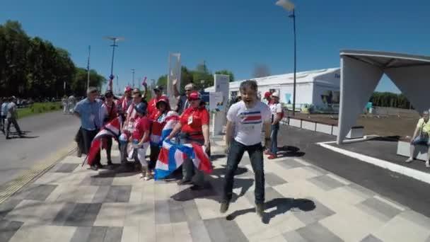 Samara, Rusko - 06.17.2018: Kostarika fotbalový fanoušci (Ticos). Costa Rica Srbskem fotbalový zápas v Samaře, mistrovství světa ve fotbale 2018