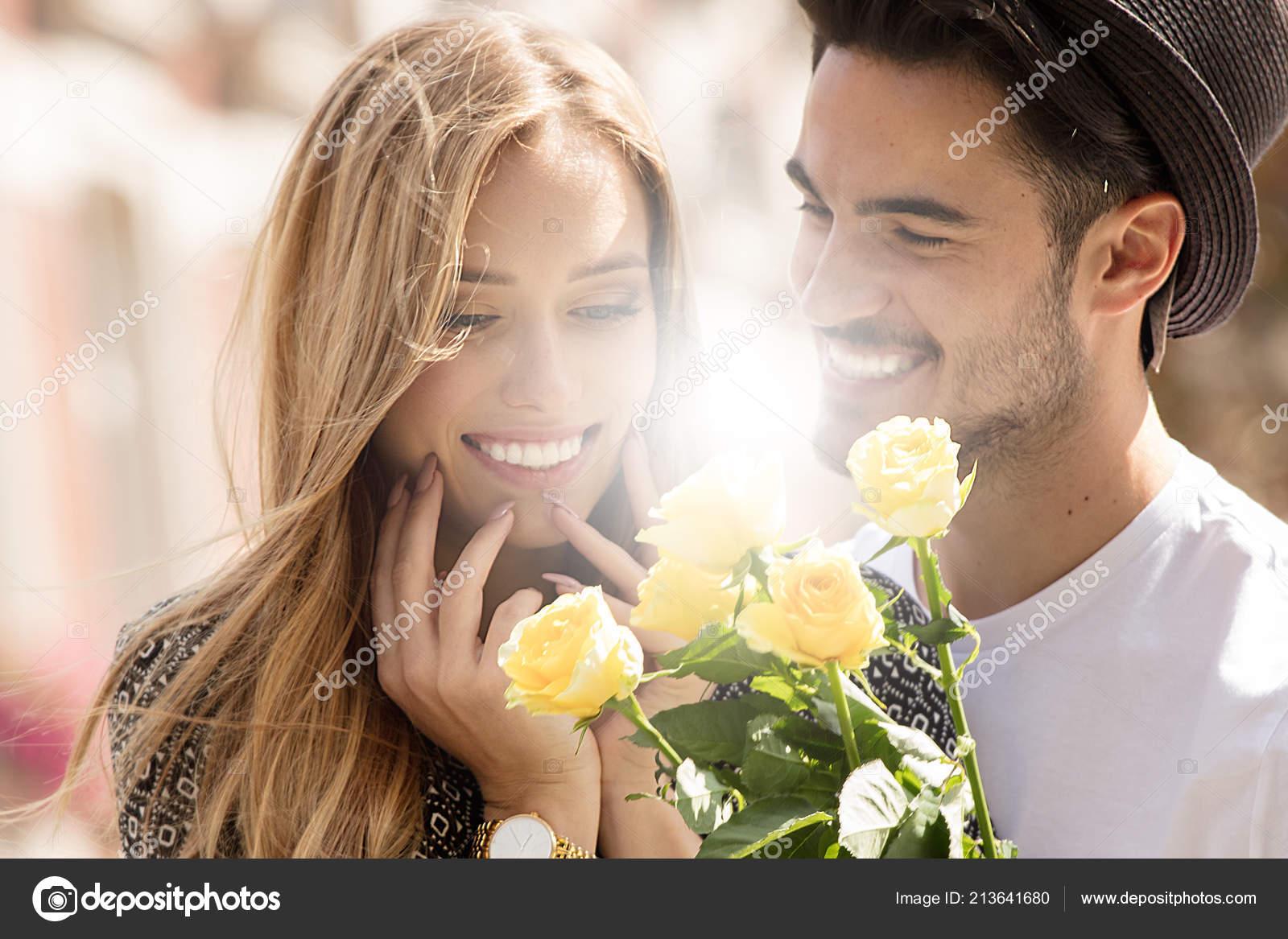 Lesbiche online dating profilo esempi