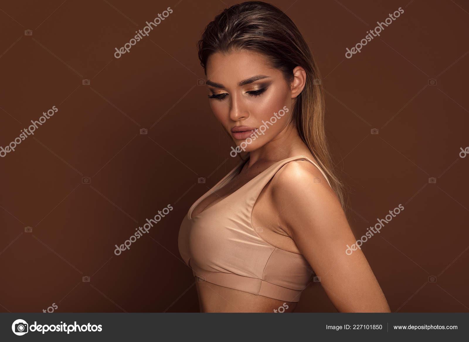 Сексуальные женщины модницы