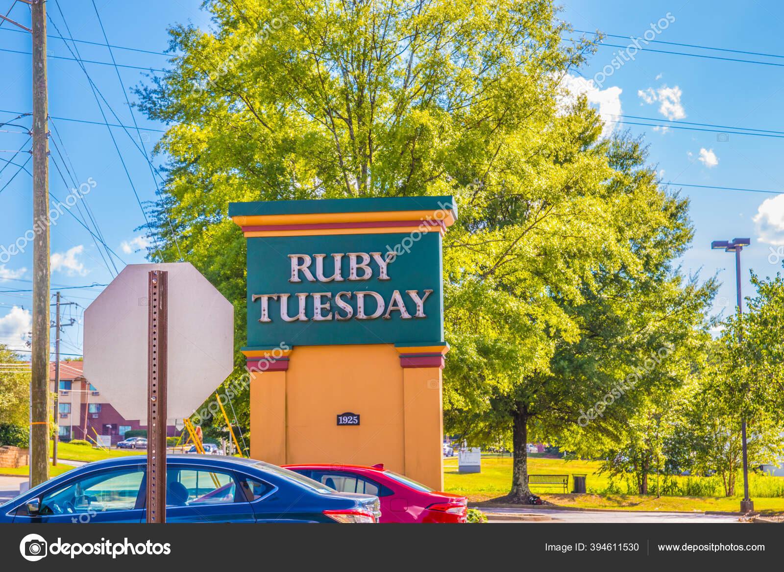 Atlanta Usa View Ruby Tuesday Street Sign Cars Stock Editorial Photo C Madvideos Gmail Com 394611530