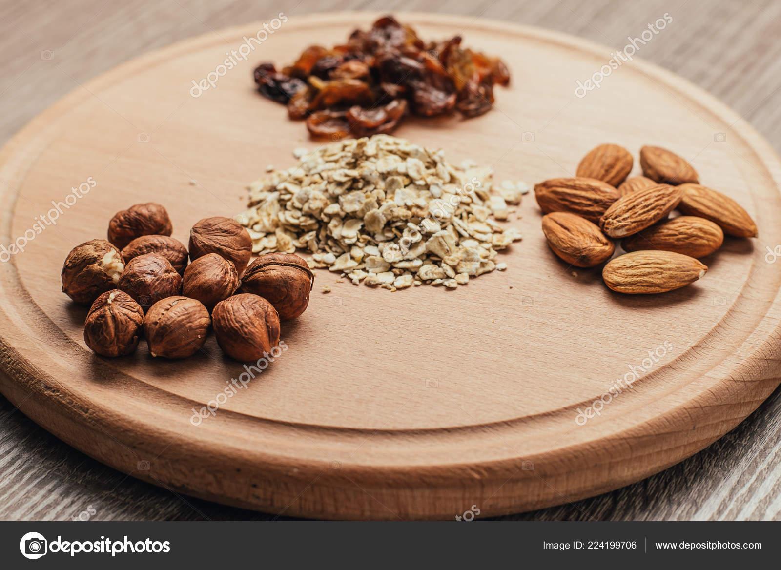 dieta con noci e mandorle